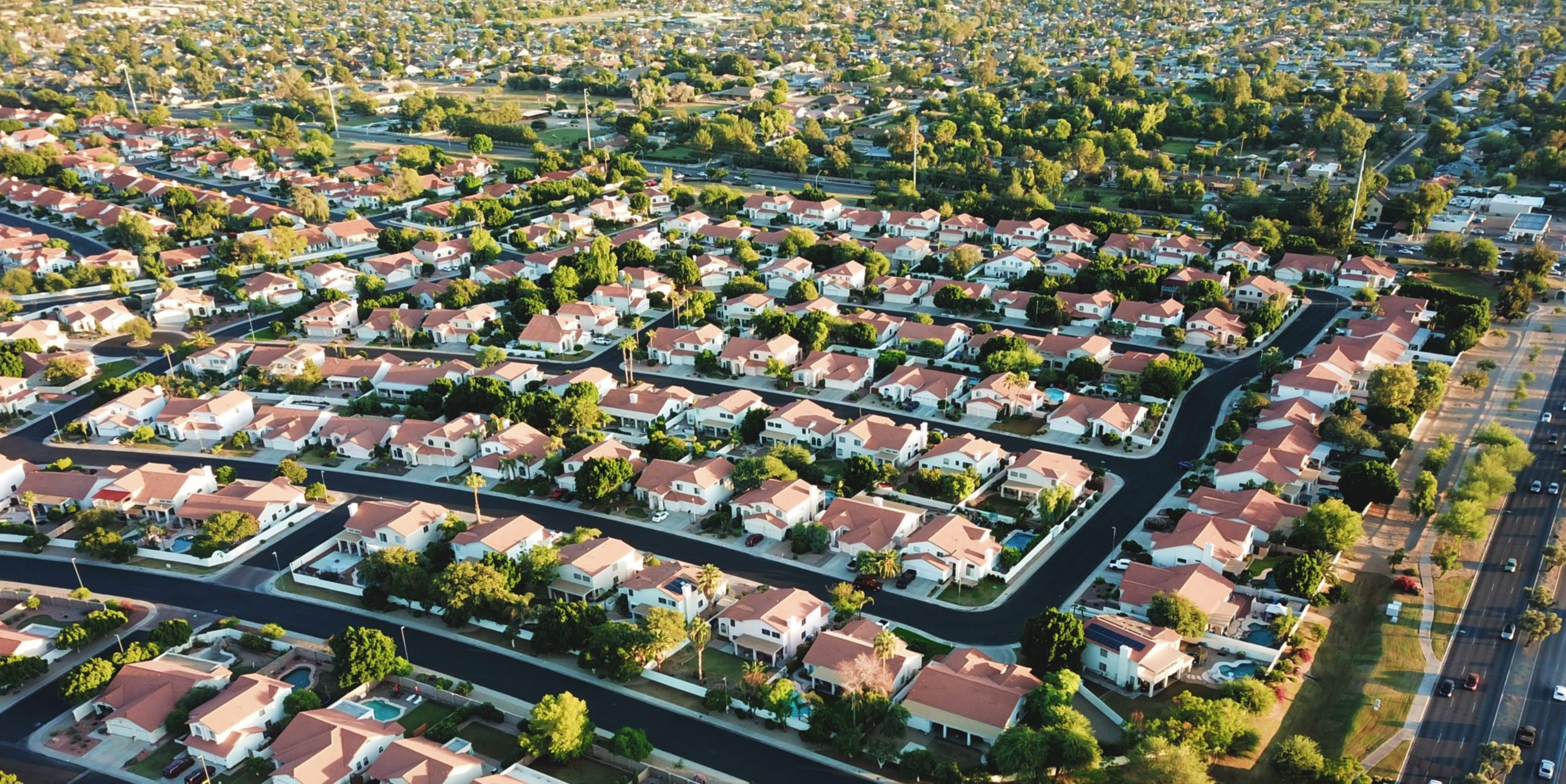 Aerial photo of a suburban neighborhood in Glendale, AZ